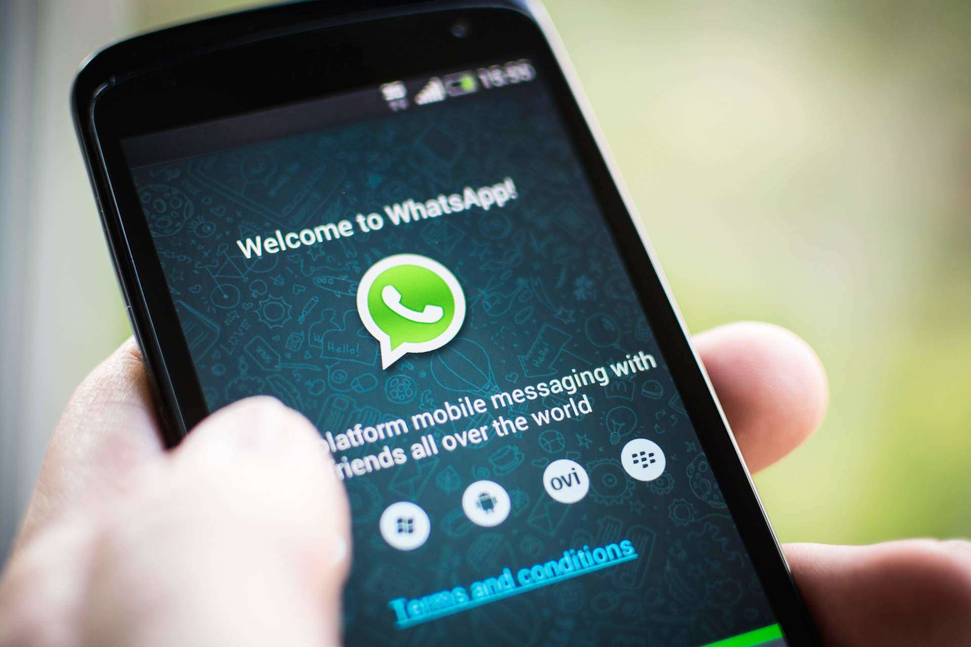 How To Add or Edit WhatsApp Custom Emoticons